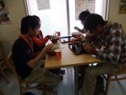 08佐原の道の駅で昼食中DSCF9482s