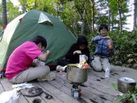 19尾瀬沼キャンプ場で夕食はカレーDSCF9861s