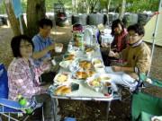 18朝食中のリーダーDSCF1391
