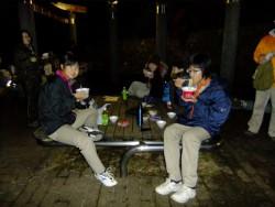 �白井で夜食中DSCF1714