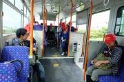 2-06_大急ぎでシャトルバスに乗車_DSCF2993