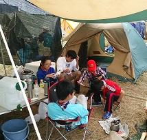#9 キャンプサイトでくつろぐスカウト達-2