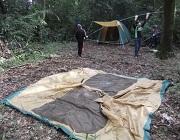 01_最初のテントはリーダーと一緒に組み立てDSCF3828