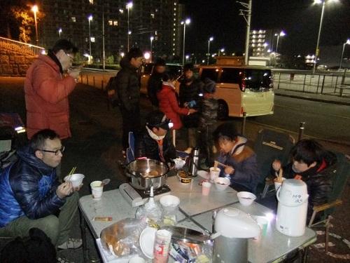 11_船橋でおでんとカップラーメン夜食中DSCF4140
