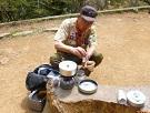 19-3お昼ご飯 ・お湯を沸かしてドリップコーヒーを入れてくれてます